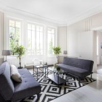 Gorgeous 3BR flat at Eiffel Tower