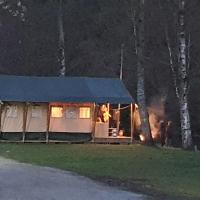 Safaritent op Camping la Douane, hotel in Vresse-sur-Semois