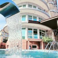 Resort Grand Hotel Милоо, отель в Лоо