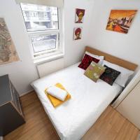 Room w/ Wardrobe (Haggerston/London Fields)