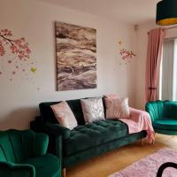 Emerald Blossom-Central Warrington, Luxurious Yet Homely, WiFi, Secure Parking