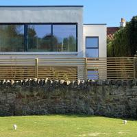 Luxury Ravensheugh Gardens retreat over-looking golf historic golf links