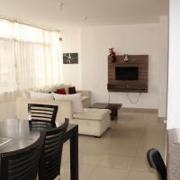 Departamentos de 2 y 3 Habitaciones en el Centro de MANTA, hotel em Manta