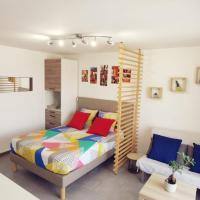 Studio cosy et lumineux à 500m de la gare RER de Melun., hôtel à Melun