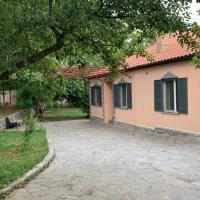 Sun-child Cottage, hotel in Garni