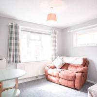 Quiet City Centre Apartment close to the action