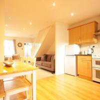 Captivating 2-Bed House in Hull Garden Sky tv