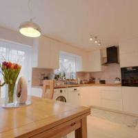 Swafield House - Parking - Modern 2 Bed - Marvello Properties