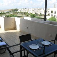First Floor Non Smoking Air Conditioned 4 Person Luxury Golf Apartment
