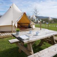 Riverview House and Glamping Retreat for 2 Families