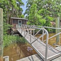 Rustic Midway Retreat with Deck and Creek Access!, hotel in Midway