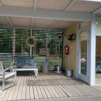 New 1-ROOM forest guesthouse next to pond, hotell sihtkohas Paide