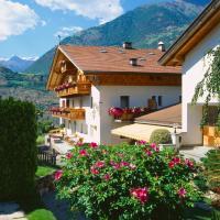 Gasthof Weisses Kreuz, hotel a Naturno