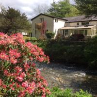 Immaculate 4-Bedroom Riverside House near Denbigh