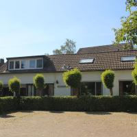 Serene Holiday Home in Ulestraten near Private Forest, hotel near Maastricht-Aachen Airport - MST, Ulestraten