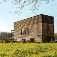 One-of-a-kind Tiny House on the edge of the Castle Forest, hotel in Beernem