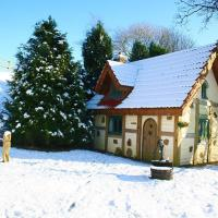 Snow Whites House - Farm Park Stay with Hot Tub