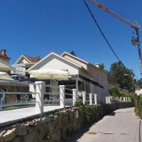 Albergue Casa Calvar, hotel in Pontevedra