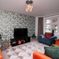 Lwyd House by StayBC Perfect for large families or large work groups, hotel in Pontypool