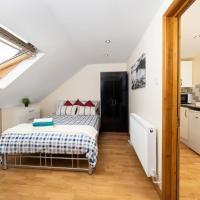 S6 Ensuite Loft Studio Space (Sandycroft Guest House)