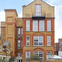 Central 2-Bed, 2-Bath Sanctuary near Holborn Station, Covent Garden & West End