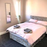 The Manchester Pad - 3BR Entire house with parking, hotel in Manchester