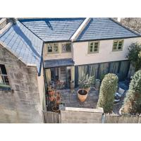 Pass the Keys Oppulent Lansdown Crescent Mews House with Free parking