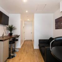 Liverpool City Centre - Fabulous 3 En-suite Bedrooms - Sleeps 10 People