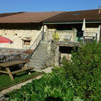Gîte Serrières-sur-Ain, 3 pièces, 5 personnes - FR-1-493-184