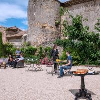 Hôtel Les Remparts de la Cité - Carcassonne, hotel in Carcassonne's Medieval City, Carcassonne