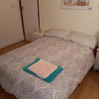 Large En-Suite Double room next to Middlesex University