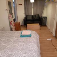DACH properties-Large En-Suite Double room next to Middex University