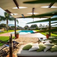 Cinisi Villa Sleeps 12 Pool Air Con WiFi, hotel in zona Aeroporto di Palermo Falcone-Borsellino - PMO, Cinisi