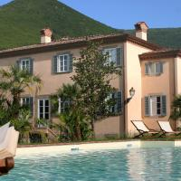 Vorno Villa Sleeps 12 Pool Air Con WiFi, hotel a Vorno