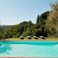 Stignano Villa Sleeps 12, hotell i Monsagrati