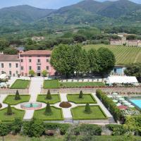 Lammari Villa Sleeps 14 Pool Air Con WiFi, hotell i Lammari