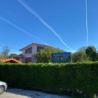 Apartamentos Turísticos Casa Nieves, hotel in La Franca