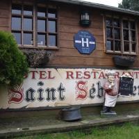 Le Saint Sebastien, hotel in Halluin