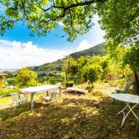 Chiavari Cozy Apartments in Villa with shared garden & parking