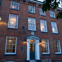 East Walls Hotel, hotel in Chichester