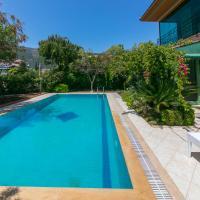 Villa Sans İcmeler Daily Weekly Rentals, hotel in İçmeler