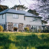 Remarkable 5-Bed House in Countryside near Newquay, hotel in Newquay