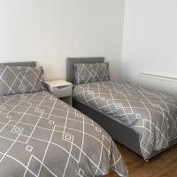 Large 3 bed House Sleep 10