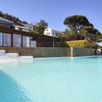 Apartamento con piscina y excelentes vistas, hotel in Ferrol
