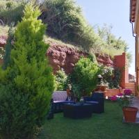 Casa Rural La Campana 4 Habitaciones 2 Supletorias Ático Opcional 4 pax, hotel en San Millán de la Cogolla