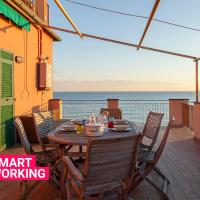 Sea Sound Apartment with Terrace by Wonderful Italy, hotell i Genua