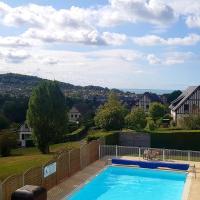 Appartement vue sur mer avec piscine et tennis