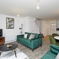 Beautiful brand new 3 bedroom city centre house with garden