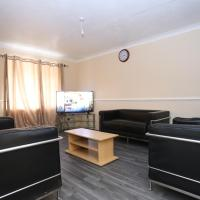Beautiful 3 Bed house, with free parking, and Wifi, hotel near London City Airport - LCY, London