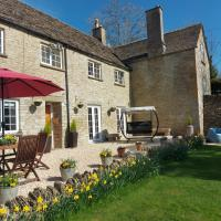 Thames Head Wharf - Historic Cotswold Cottage with Stunning Countryside Views